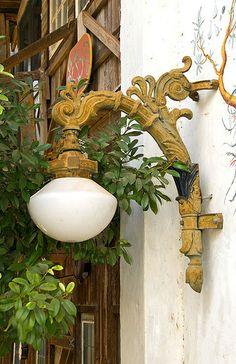Yellow Lamp Post, Texas
