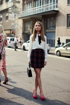 Preppy outfit - white blouse, black plaid skirt and red heels Preppy Outfits, Outfits For Teens, Fashion Outfits, Fashion Women, Preppy Fashion, Ski Fashion, Fashion Top, Fashion Models, 90s Fashion