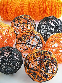 Red Couch Recipes: Halloween Yarn Spheres diy