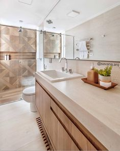 A imagem pode conter: área interna Bathroom Interior Design, Ideal Bathrooms, Tiny House Bathroom, Condo Design, Small Bathroom Decor, Minimalist Bathroom, Bathroom Design Small, Bathroom Design Luxury, Luxury Bathroom
