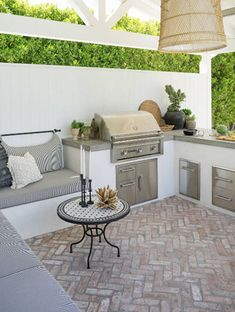38 Absolutely fantastic outdoor kitchen ideas for restaurants .- 38 Absolutely Fantastic Outdoor Kitchen Ideas For Outdoor Dining – # Outdoor Kitchen Patio, Outdoor Kitchen Design, Outdoor Dining, Outdoor Decor, Small Outdoor Kitchens, Outdoor Kitchen Cabinets, Kitchen Counters, Outdoor Cooking Area, Outdoor Patios