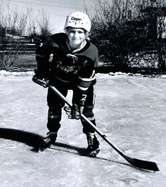 Wayne in Brantford. My family had a copy of this photo. My father knew Walter and the not yet famous hockey player. Hockey Goalie, Hockey Players, Ice Hockey, New York Rangers, New York Giants, Wayne Gretzky, Los Angeles Kings, Edmonton Oilers, Team Usa