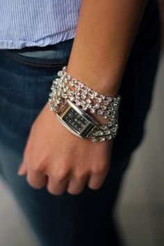 The old watches that are sitting helpless in your jewelry box and never draw your attention are the ones that are just perfect for this article. Get t