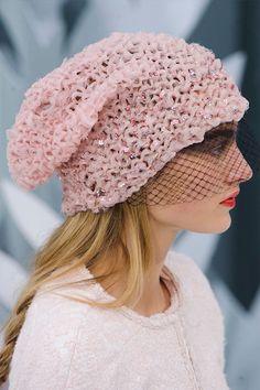 Chanel haute couture spring 2015. 被繁花浪漫地抱擁:Chanel 2015春季高訂系列(飾物篇)   Popbee - 線上時尚生活雜誌