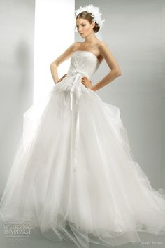 Jesus Peiro Wedding Dresses 2012 | Wedding Inspirasi