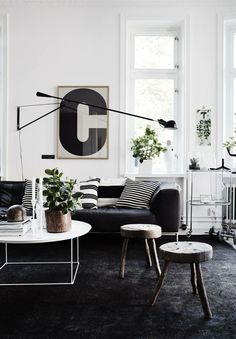How To Choose the Best Accessories for Your Modern Living Room Decor, Home Accessories, Discover the best home accessories for your contemporary living room! Scandinavian Design Living Room, Living Room Inspiration, Black Carpet Living Room, Living Room Scandinavian, Interior, Black And White Living Room, Bedroom Carpet, Living Decor, Black Carpet Bedroom