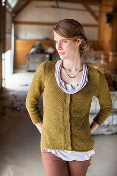 An elegant, fresh version of the classic cardigan, Lira's tailored details and clean lines make it an instant wardrobe staple. Slip stitch details, i-cord edging, and a clever bind off feature at the waist add structure and interest throughout, while three-quarter length sleeves and a scoop neck make it perfect for any season.