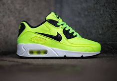 Latest information about Nike Air Max 90 GS. More information about Nike Air Max 90 GS shoes including release dates, prices and more. Nike Shoes Outfits, Nike Free Shoes, Running Shoes Nike, Air Max 90, Nike Air Max, Air Max Sneakers, Sneakers Nike, Nike Free Runners, Nike Air Huarache