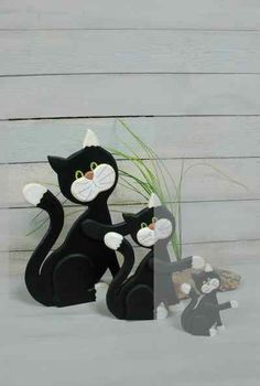 Katze sitzt Aufsteller groß -