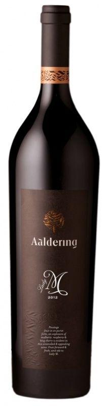 Lady M - Pinotage - KLM Business Class wijn !  - Stellenbosch - Aaldering Vineyards & Wines Brad Pitt, Red Wine, Alcoholic Drinks, Bottle, Glass, Drinkware, Flask, Corning Glass, Liquor Drinks