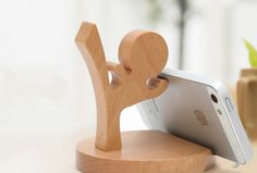 Creative Wooden Decorative Small Humanoid Cell Phone Stand