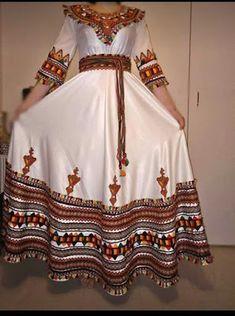Moroccan Kaftan Dress, Kaftan Gown, Abaya Fashion, Fashion Dresses, Fashion Styles, Afghani Clothes, Pakistani Dresses Casual, Afghan Dresses, Tribal Fashion