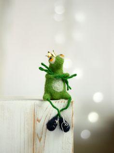 Needle Felt Frog With A Crown - The Frog Prince - Needle Felt Art Doll - Frog…