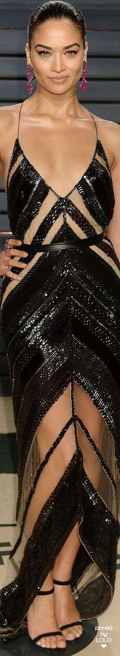 Shanina Shaik attends 2017 Vanity Fair Oscar Party