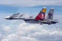 """Según publicó Blu Radio, un avión de la aerolínea colombiana Avianca que viajaba hacia España y pasó por espacio aéreo venezolano supuestamente """"fue obligado a desviarse"""" luego que dos naves tipo Sukhoi provenientes de Venezuela se le colocaran a los lados.</p>"""