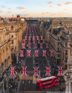 ***London decked out for the royal wedding of Prince Harry to Ms Meghan Markle by James ( 🇬🇧 Uk Photos, Europe Photos, London Photos, Commercial Landscape Design, Regent Street, Garden Design Pictures, Sea Photography, Canon Photography, Landscape Photography