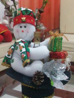 Christmas Wreaths, Holiday Decor, Home Decor, Blue Prints, Decoration Home, Room Decor, Home Interior Design, Home Decoration, Interior Design