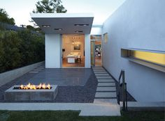 GRIFFIN ENRIGHT ARCHITECTS: Santa Monica Canyon Residence - modern - landscape - los angeles - Griffin Enright Architects
