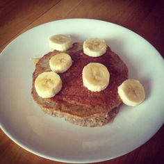 Healthy Protein Pancake Recipe: 1/2 cup of oats, 1/2 banana mashed, 3 egg whites, 1 tsp of light honey, 1 drop of vanilla. Mix together and fry in olive oil. Top with the other half of banana and drizzle with honey. Calories: 250, Fats: 0, Carbs: 35, Fiber: 8g, Sugar: 8g, Protein: 25