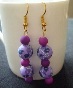 Boucles d'oreilles perles polymère et givrées. : Boucles d'oreille par laboiteabijouxnanny