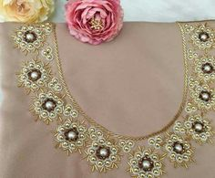 Embroidery On Kurtis, Kurti Embroidery Design, Hand Embroidery Designs, Bead Embroidery Tutorial, Beaded Embroidery, Neck Designs For Suits, Beaded Collar, Caftans, Saree Blouse Designs