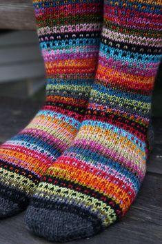 Ravelry: JennyF's Music to my eyes – Knitting Socks Wool Socks, Knitting Socks, Knitting Stitches, Hand Knitting, Animal Knitting Patterns, Fair Isle Knitting Patterns, Colorful Socks, Sock Yarn, Knitting Projects