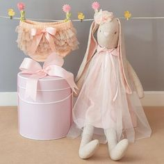 This gorgeous extra large Alimrose linen bunny doll along with the super cute frilly baby bloomers will amke the perfect new baby girl gift. The bloomers will fit a girl from 0 - 2 yrs so this baby girl gift will also make a great older sibling gift. New Baby Girls, Baby Girl Gifts, Sibling Gifts, Big Bunny, Baby Bloomers, Beautiful Baby Girl, Gift Hampers, Peach Colors, Tulle Dress