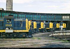 RailPictures.Net Photo: ATSF 2121 Atchison, Topeka & Santa Fe (ATSF) Alco RSD-5 at Albuquerque, New Mexico by Joe McMillan