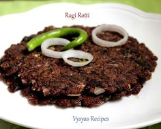 Items for Ragi Roti with Moringa Leaf Reciepe Ragi Flour Green chillies - Chopped) Onion - 2 Nos(Medium size) nicely chopped Moringa Leaf - As much as you want Chopped Coriander leaves Hing - a pinch Salt for taste Oil - for applying on rotis South Indian Breakfast Recipes, Millet Recipes, Chapati, Indian Snacks, Diabetic Friendly, Fries, Yummy Food, Beef
