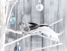 SHIMMER+BIRD+ON+CLIP+WITH+GLITTER+HEAD+FEATHER+TAILORED++-+SILVER