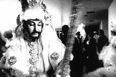 O museólogo e carnavalesco Clóvis Bornay em um concurso de Fantasias. Rio de Janeiro, 1972.