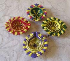 Easy Crafts - Explore your creativity: Painted diyas for Diwali Diya Decoration Ideas, Diy Diwali Decorations, Festival Decorations, Handmade Decorations, Flower Decorations, Diwali Lantern, Diwali Lamps, Diwali Craft, Diwali Rangoli