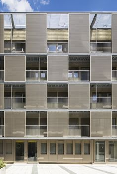 Square Vitruve / Atelier du Pont.  The simple addition transforms an old building