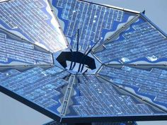 Sunflower Solar Panels: Electric Garden Collects Energy, Beautifies Retail Development