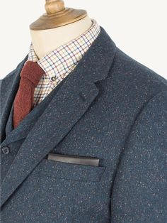 This Gibson teal donegal jacket has a more relaxed silhouette with a soft shoulder line for a casual feel. Mens Tailored Suits, Blue Suits, Donegal, Well Dressed Men, Tweed, Menswear, Blazer, Dark, Casual