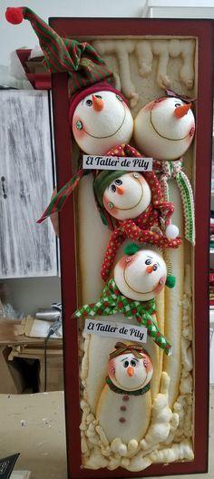 Crochet Christmas Cozy, Christmas Scarf, Christmas Diy, Christmas Decorations, Xmas, Christmas Ornaments, Diy Crochet Sweater, Crochet Cowl Free Pattern, Newborn Crochet Patterns