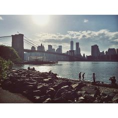 It's a beautiful day in #DUMBO! #nyc #BrooklynBridge #brooklyn #nyc #afterlight #bridgeporn #bridge #sun #landscape #manhattan #newyork #newyorkcity #eastriver www.dumbolifeandstyle.com