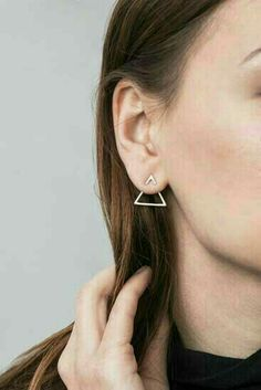 Geometrical earrings.