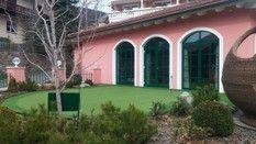 erba sintetica golf e giardino Artificial Turf, Golf, Outdoor Decor, Green, Houses, Astroturf, Turtleneck