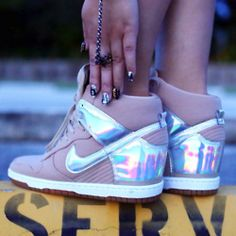 Ideas For Sneakers Nike Wedges Nike Wedge Sneakers, Nike Wedges, Sneakers Mode, Sneaker Heels, Girls Sneakers, Sneakers Fashion, Fashion Shoes, Wedged Sneakers, Wedge Sneakers Style