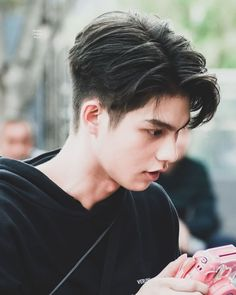 Korean Men Hairstyle, Korean Short Hair, Short Hair Cuts, Short Hair Styles, Hairstyles Haircuts, Haircuts For Men, Hair Style Korea, Asian Haircut, Kpop Hair