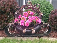 Artistic Tire Flower Pot for garden by BeautifulTirePots on Etsy Outdoor Crafts, Dyi Crafts, Garden Crafts, Garden Art, Tire Planters, Flower Planters, Flower Pots, Flowers, Tire Craft