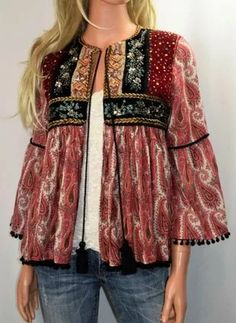 Fashion outfits - Rich embroidery & colorful sequins puts a worldtraveler spin on a paisley print jacket that ends in a sweetly ruffled peplum hem Embellished details Size Small Velvet panel back Made in India Hippie Style, Bohemian Style, My Style, Boho Fashion, Fashion Dresses, Womens Fashion, Fashion Trends, Kimono Fashion, Cheap Fashion