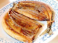 「サンマの開きの蒸し焼き」フライパンを使ってのサンマの蒸し焼きです。皮側5分・身側1分で蒸して焼くのでほっくり焼けます。グリルやオーブンより短時間で焼けるのがいいです。【楽天レシピ】