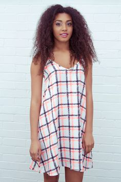 Our Catrin Contrast Swing Dress is great for a cool, comfortable look this summer! This dress is perfect for day time or evening wear! Get yours now by visiting our website - www.lovepinkboutique.com/new/catrin-swing%20coral