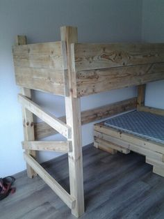 Bed for my kids with pallet wood