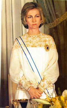 Queen Sofia, beautiful in white and gold dress, back in the 70's
