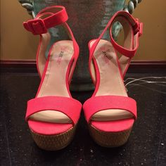 JustFab NWT platform heel size 7.5 NWT shoe has a 5.5 in platform heel and wrap around ankle with buckle closure detail Size 7.5 tag attached no flaw (shoe never worn tried on in store only) JustFab Shoes Platforms