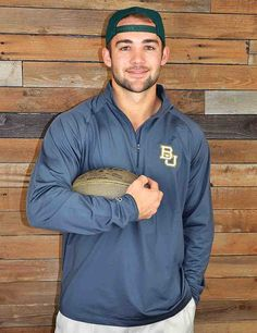 Stay warm during those chilly Baylor game nights with this performance pullover. What a perfect way to show your school spirit. Go Bears, Go!