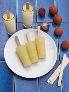 Lychee, Vodka and Elderflower Iceblocks  Makes 10    • 8 lychees, peeled and seeds removed (or use canned lychees if fresh are unavailable)  • ¼ cup vanilla vodka  • 3-4 tablespoons elderflower liqueur or cordial  • 500ml cloudy apple juice  • Sugar syrup, to taste, optional